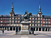 Statue of Felipe III on horseback in the Plaza Mayor square